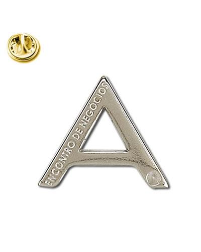 Pins em metal Resinados Personalizados | Pin em metal personalizado nas medidas de: 21 x 24 mm. Conf